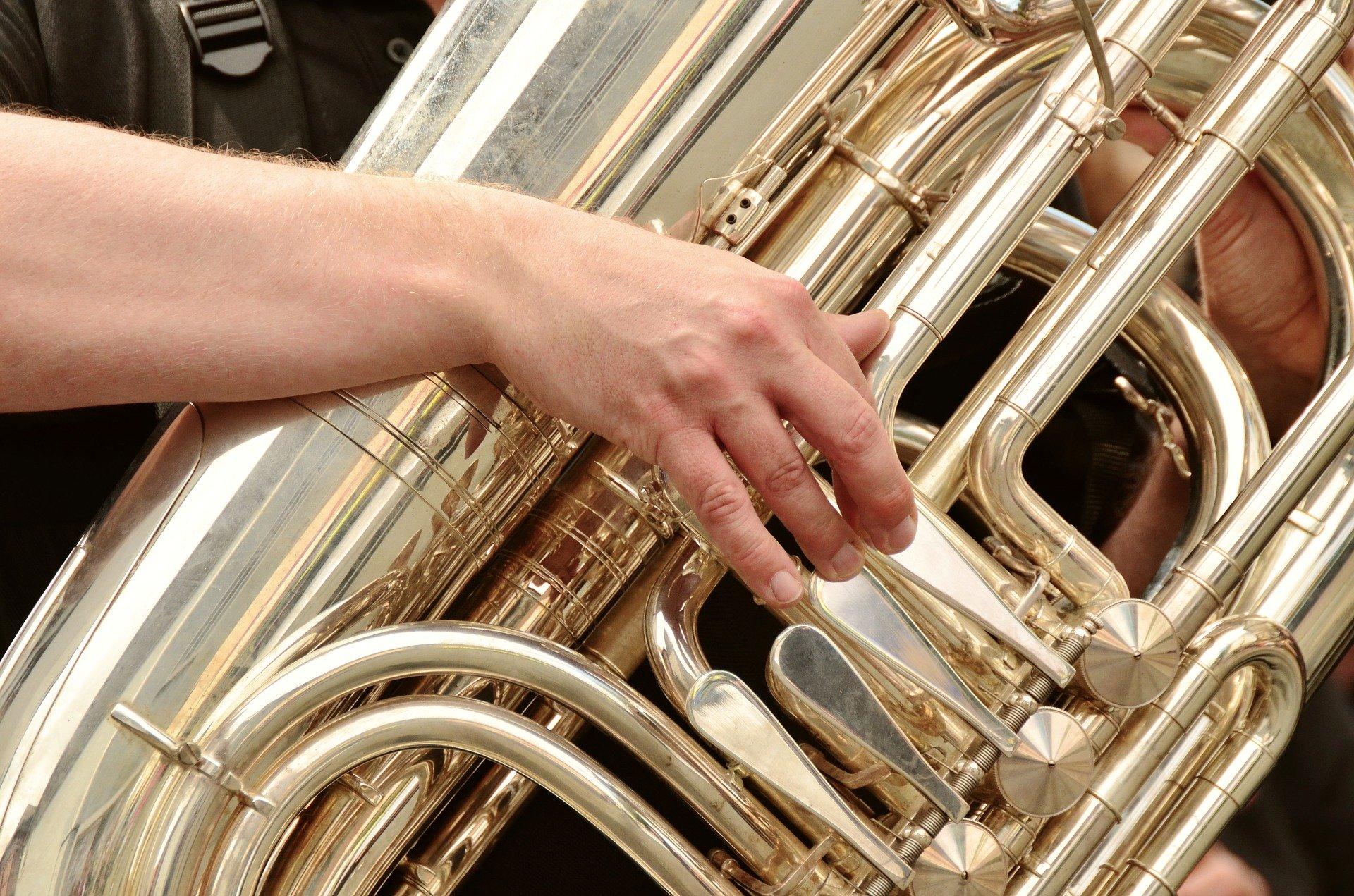 tuba-3246641_1920